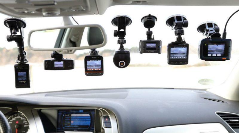 Action Camera bukan barang mewah lagi. Selain bisa merekam berbagai kegiatan outdoor dan indoor, beberapa action camera juga memiliki fungsi dashcam.