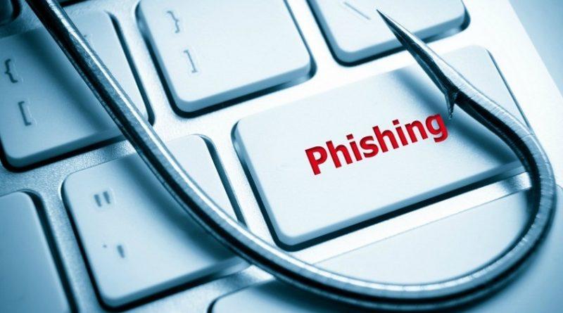 Kebanyakan yang menjadi korban phising adalah orang yang kurang teliti atau teledor. Setiap memasukkan User ID dan Password atau informasi pribadi lainnya, perhatikan domain (URL)-nya. Pastikan bahwa domain yang tertera adalah domain yang kamu maksud. Selain itu, perhatikan halaman juga. Biasanya terlihat adanya perbedaan-perbedaan dan hal-hal yang mencurigakan dari halaman yang dibuat pelaku phising.