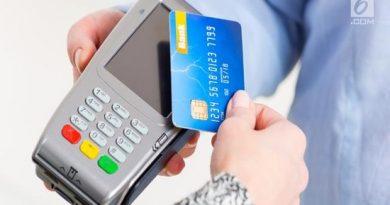Perbedaan kredit card dan debit card harus dipahami oleh nasabah agar proses transaksi pembayaran menjadi lancar.