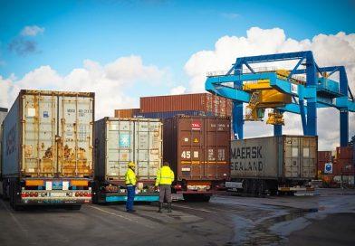 Ada 8 tips impor dari luar negeri yang patut Anda ketahui; memilih Co-Partner, asuransi barang,dll. Simak terus dalam artikel ini!