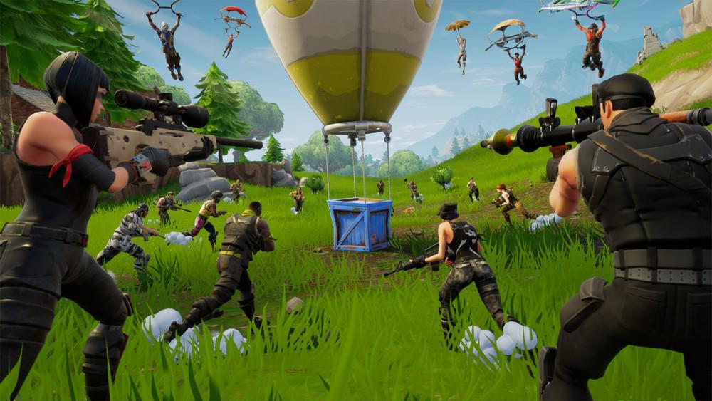 Sama halnya dengan PUBG, Fortnite dengan genre Third Person Shooter juga bertemakan Battle Royale (FFA-Free For All) dimana semua pemain saling berkompetisi satu sama lain.