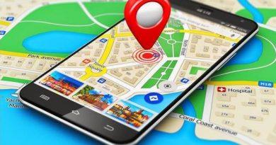 Dengan berkembangnya teknologi, navigasi menjadi aplikasi yang wajib di smartphone. Selain menunjukkan arah, navigasi modern juga memberikan rute tercepat