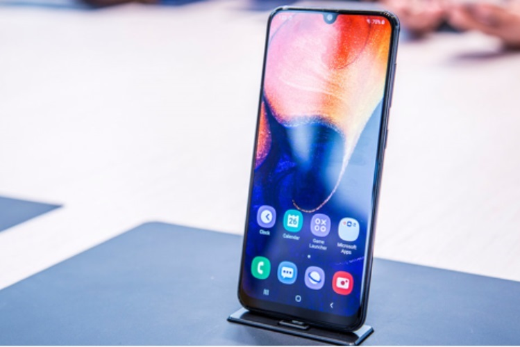 Samsung Galaxi A50 merupakan smartphone Samsung terbaru yang memiliki spesifikasi mumpuni plus penggunaan tiga kamera belakang yang menakjubkan.