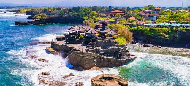 Bali adalah pulau yang sangat sering dikunjungi wisatawan dari berbagai negara. Nah, disinilah banyak peluang usaha yang potensial. Apa saja ya?