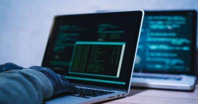 Seorang blogger harus waspada atas aksi peretasan. Lantas bagaimana caranya agar blog/web terlindung dari hacker? Ini ulasannya!