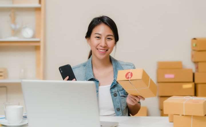Masa sekarang ini, ditambah dengan pandemi Covid-19, masyarakat semakin getol berbelanja secara onlie, begitu juga dengan persaingan pada usaha online shop