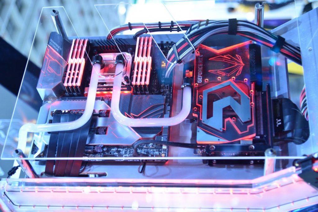 Sistem pendingin berbasis cairan sudah banyak digunakan pada PC, khususnya PC high-end
