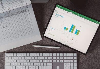 Power Query merupakan add-on (untuk versi Excel dibawah 2016 harus install secara terpisah) yang dapat digunakan untuk memproses data yang besar