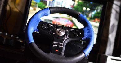 Steering Wheel Controller: Logitech G29 vs Thrustmaster T300